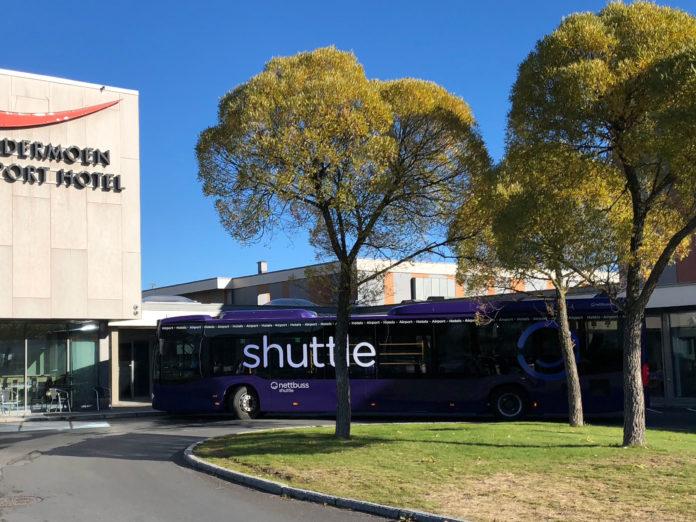 Flott Shuttlebuss til hotell og parkering - Gardermoen.no EH-14
